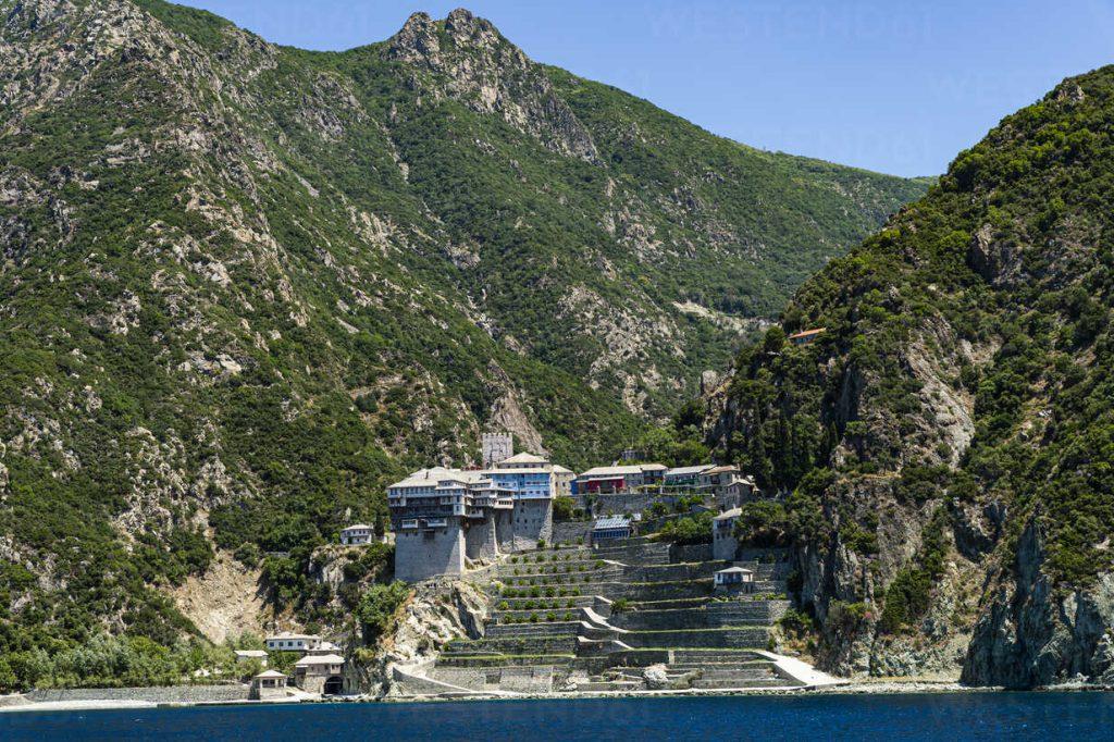 جبل أثوس , من الاماكن السرية الممنوع لاقتراب منها