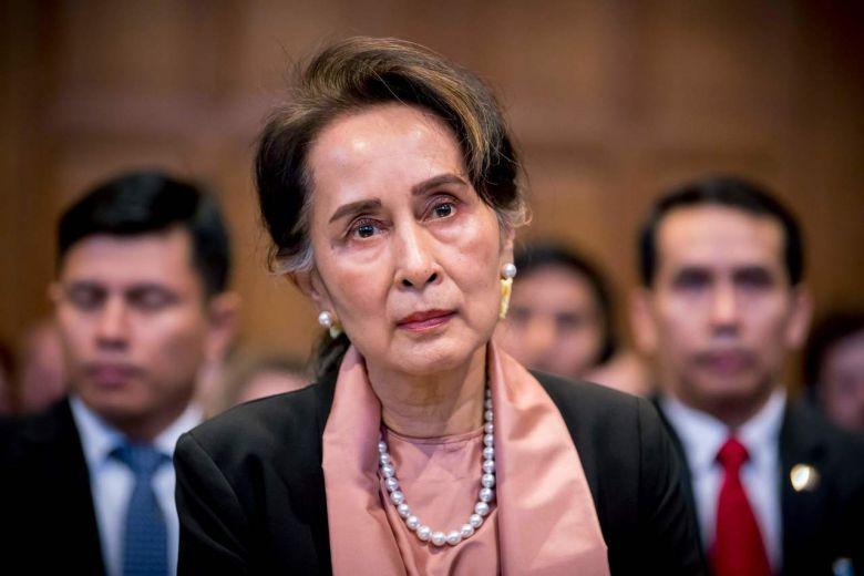 أونغ سان سو تشي قاتلة مسلمي الروهينجيا تحصل على جائزة نوبل للسلام