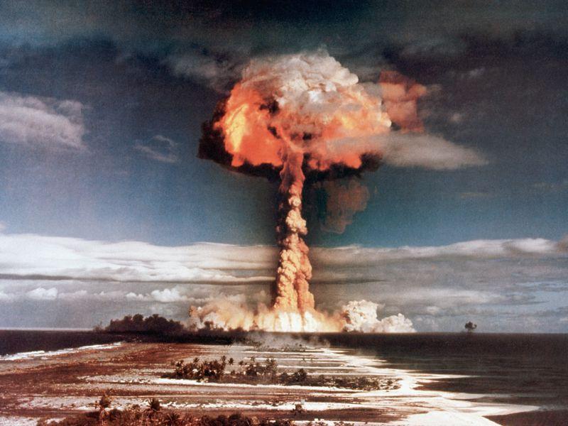 كان ل انريكو فيرمي دور اساسي في صنع القنبلة النووية