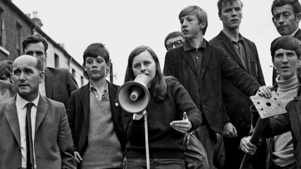 مواطني ايرلندا في تظاهرة ضد الاحتلال البريطاني