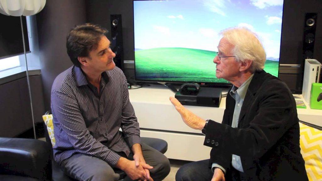 لقاء صحفي مع تشارلز حول صورة النعيم