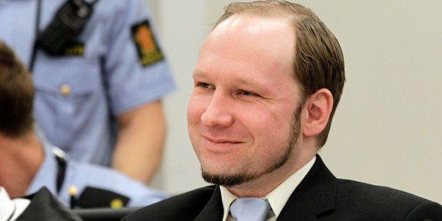 اندرس بريفيك في المحكمة