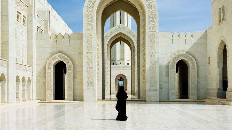 عمان الدولة العربية الحيادية الوحيدة في العالم